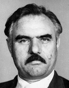 Черно-белое фото мужчина пример 1